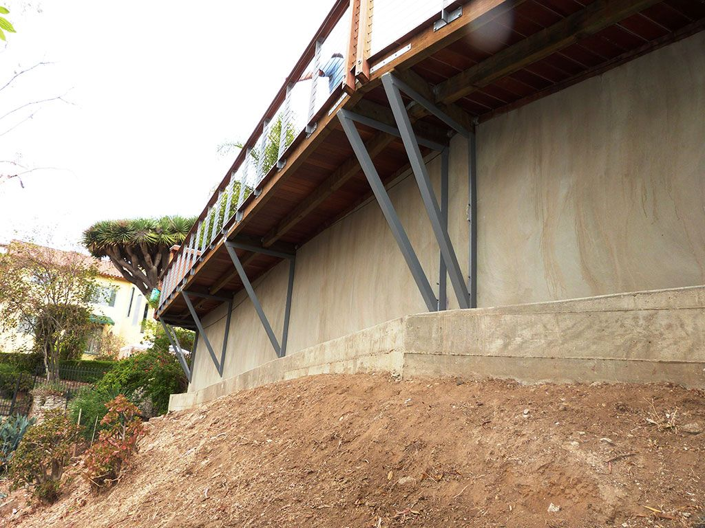 Retaining walls contractor los angeles retaining wall for Concrete block walls design